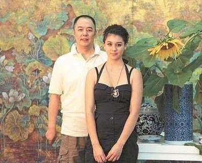 2016年,张铁林的两位前女友,带着他的私生子,联合将他告上法庭
