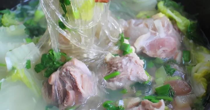 炖羊肉汤,直接下锅就错了,牢记3个窍门,汤鲜肉嫩,无膻味