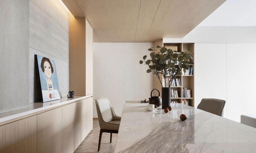 80㎡小两居,沿窗设计悬浮平台,光线勾勒丰富层次,收纳也不弱