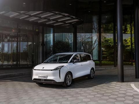 不要羡慕英国出租车了,奔腾NAT打造中国自己的高端出租车