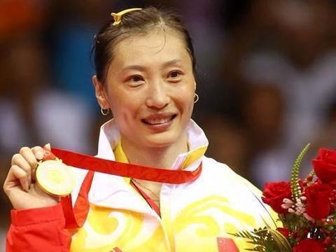 李永波最得意的女弟子,击败林丹妻子夺冠,如今与丈夫长期分居