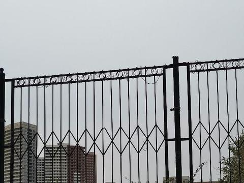 唐山市区的大学开学了吗?唐山师范挺热闹,河北能源人不少!