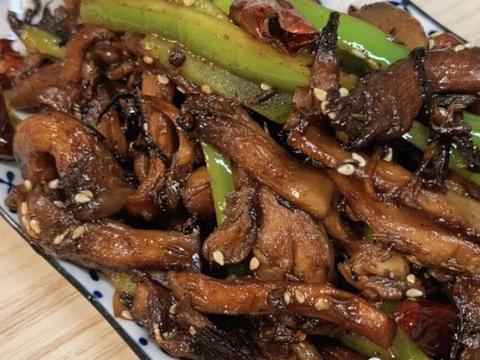 网红下饭菜孜然蘑菇,做法简单一学即会,味道鲜美太下饭了