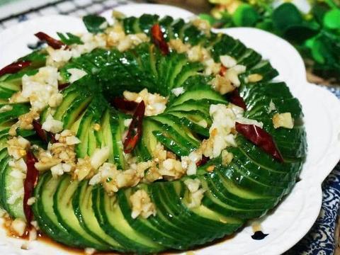 高大上的四道家常菜,家庭宴客首先倍有面儿蓑衣黄瓜,花菇炒肉片