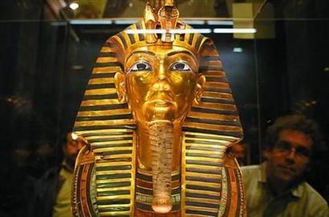 古埃及几千年文物出土如新?你还要点脸不