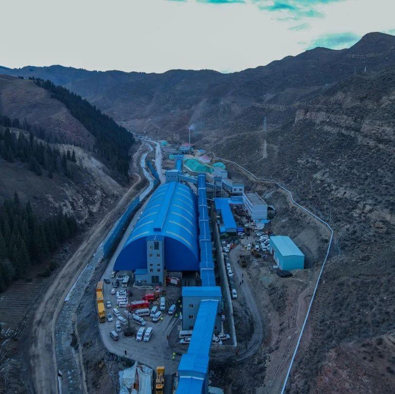 21名被困人员位置确定!新疆透水煤矿事故救援现场→