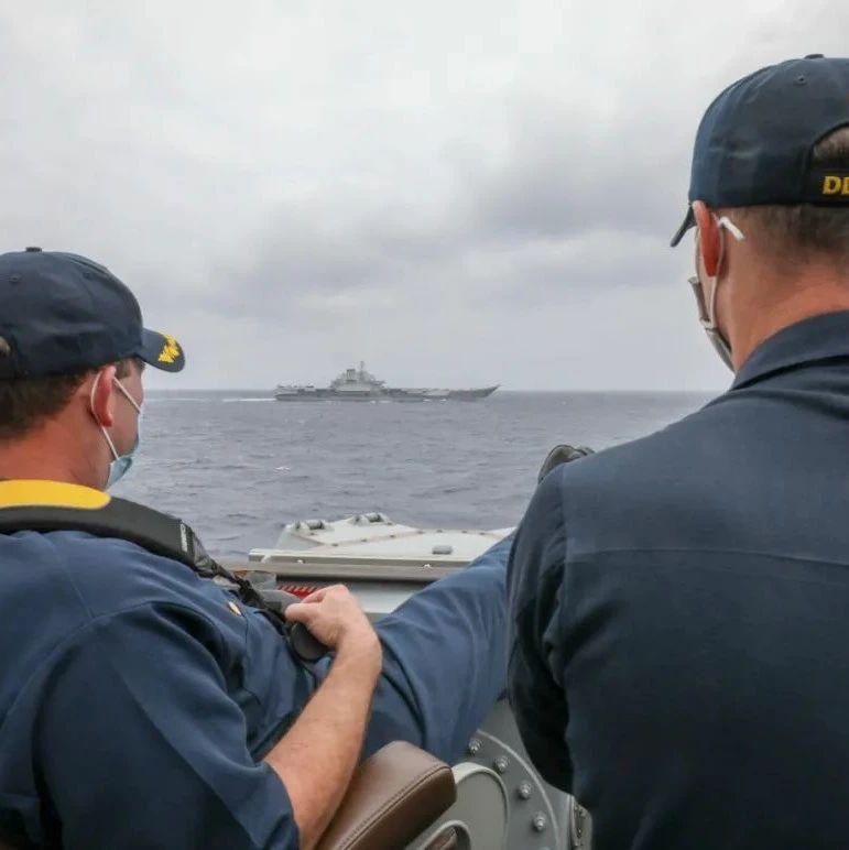 航母辽宁舰和美舰碰面后 美国海军官方发布了这张照片