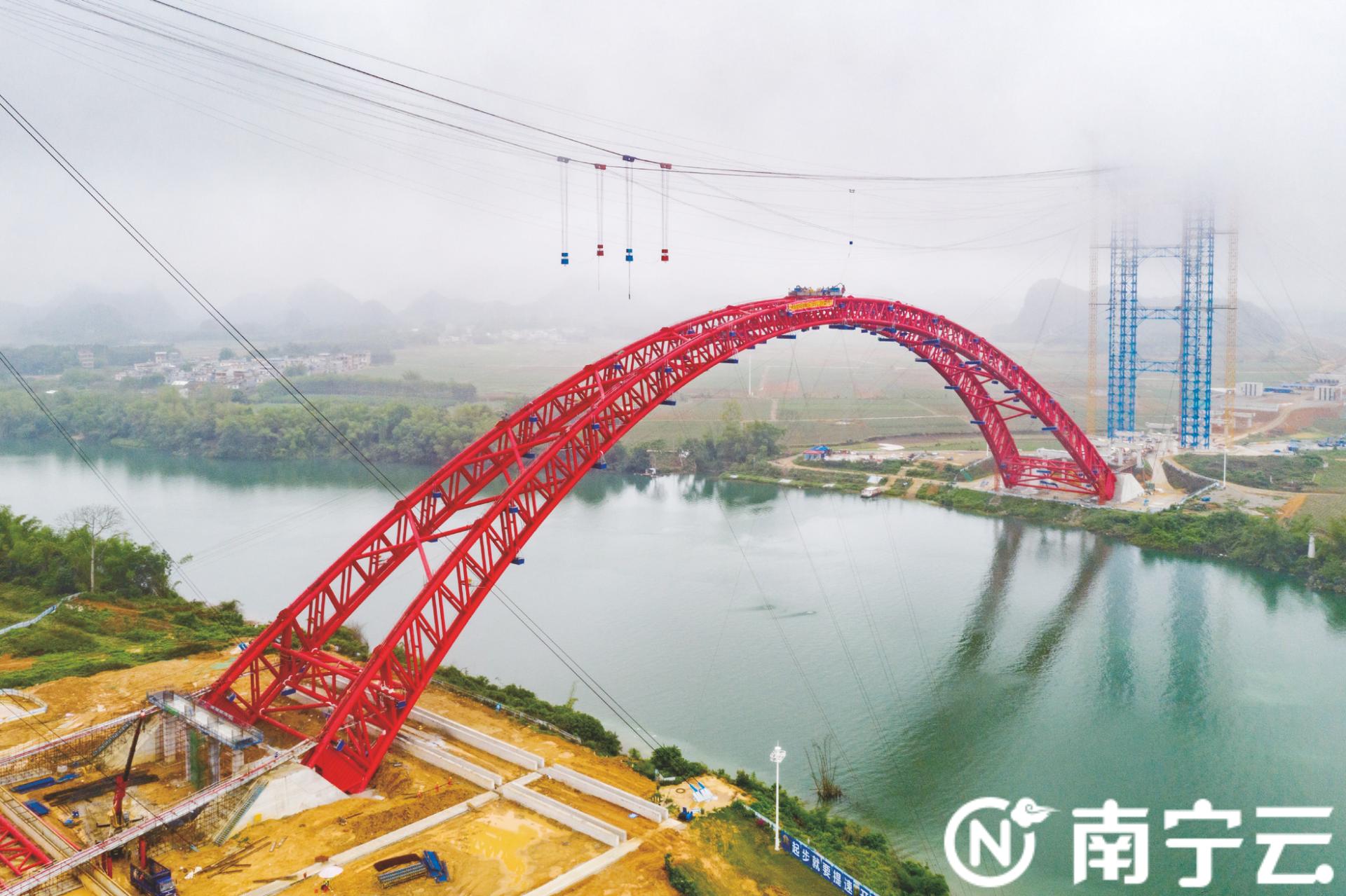 沙尾左江特大桥建设有新进展 吴隆高速公路年底建成通车