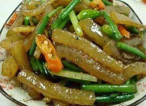 炒肉皮,炒鸡,炒肥肠,焖茄块的做法送你啦,简单美味