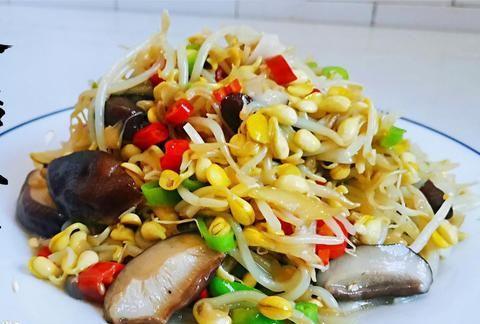 老陈美食:农家菜香菇炖豆芽,不焯水不过油的做法,美味抢着吃