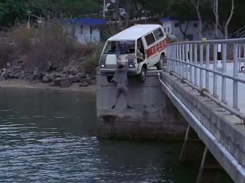 林青霞真是总帮倒忙,搞得曾志伟只有两种死法,要么勒死要么淹死