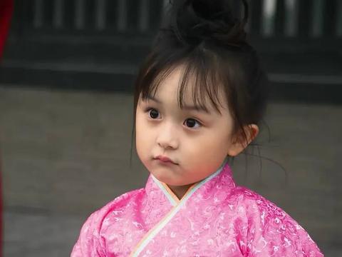 """""""夏欢欢""""刘楚恬的童星成名路,和她背后做推手的神秘爸妈"""