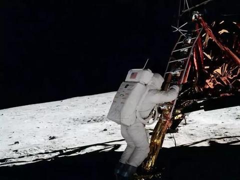 登月难题:月球表面温差高达310摄氏度,这是人能承受的吗?
