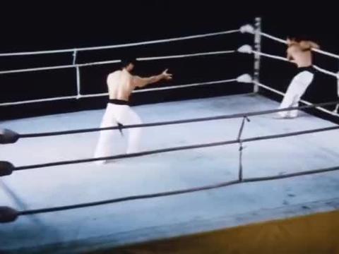 功夫:吕小龙被日本浪人围杀,擂台赛对决大块头杨斯一招险胜!