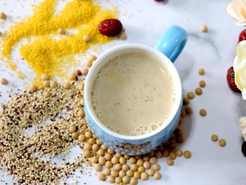 早餐豆浆别只放黄豆,多加几种食材口感更香浓,营养健康又好喝