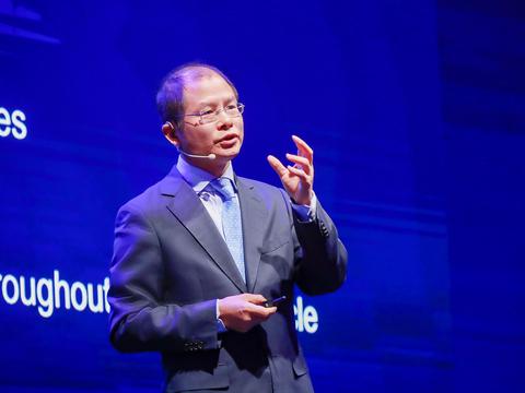 华为正式宣布!鸿蒙系统挑战安卓,今年将有1亿台设备能用鸿蒙!