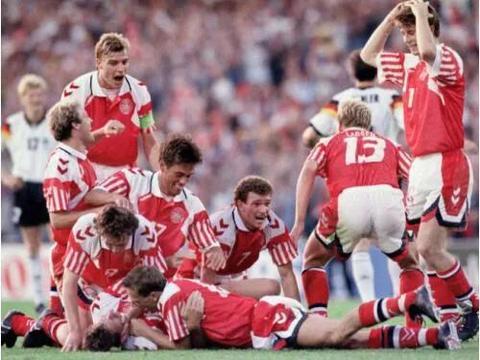 回顾92欧洲杯:政治因素铸造经典,丹麦变不可能为现实!