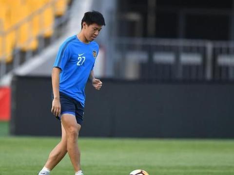 周云之后又一位江苏球员退役,正值当打之年,让球迷倍感惋惜