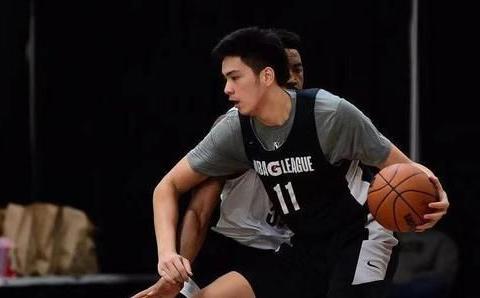 中国男篮迎利好,菲律宾天才泯然众人!