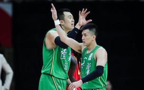 辽宁男篮大获全胜,逼得北控球员多次犯规被罚,季后赛真的悬了!