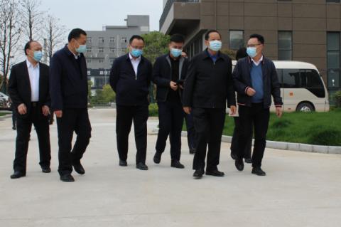 第十二届全国政协副主席刘晓峰考察武汉市新海思科技产业园
