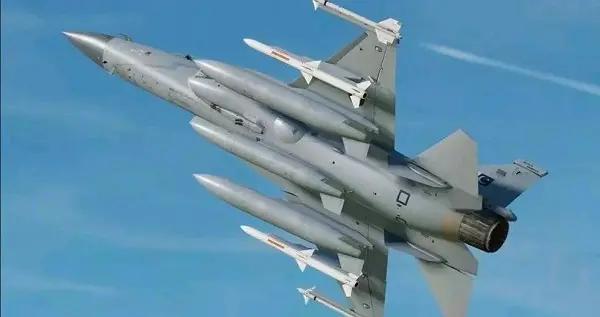 枭龙战斗机领跑马来西亚皇家空军轻型战斗机项目 韩国承认FA50落后