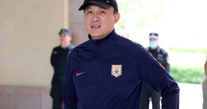 泰山队动态,3外援领衔出征广州,官宣两名新援加盟,10人离队