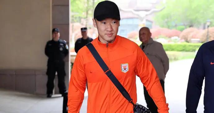 泰山队30人出征广州名单出炉,外援大变脸,本土球员超10人离队
