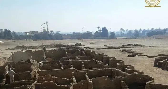 """考古学家介绍卢克索近郊""""失落的黄金城市""""何时对游客开放"""