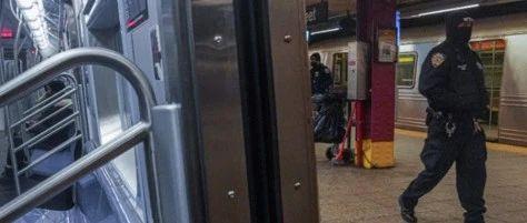 美亚裔女子两度被推地铁轨道,嫌犯未得逞又折返再犯案