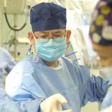 我国专家成功探索单孔机器人肺癌手术