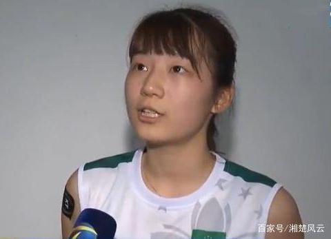 朱婷轮休,中国澳门女排把河南队打出原形,赛后与偶像争着合影