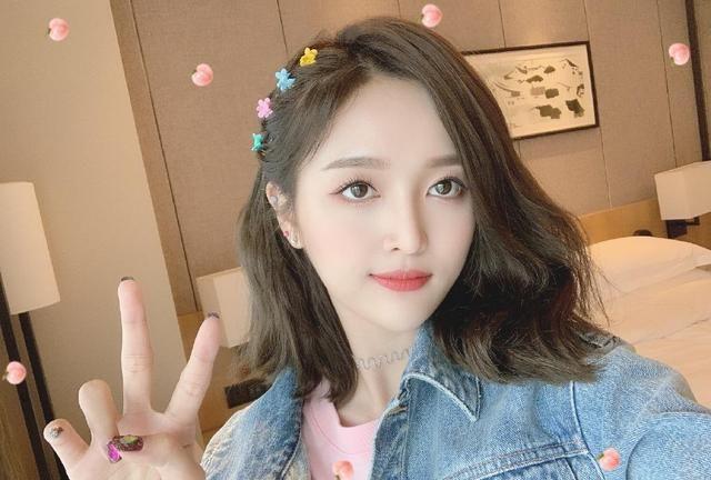 26岁吴宣仪发近照,有谁注意到她的眼睛?选秀爱豆花期太短