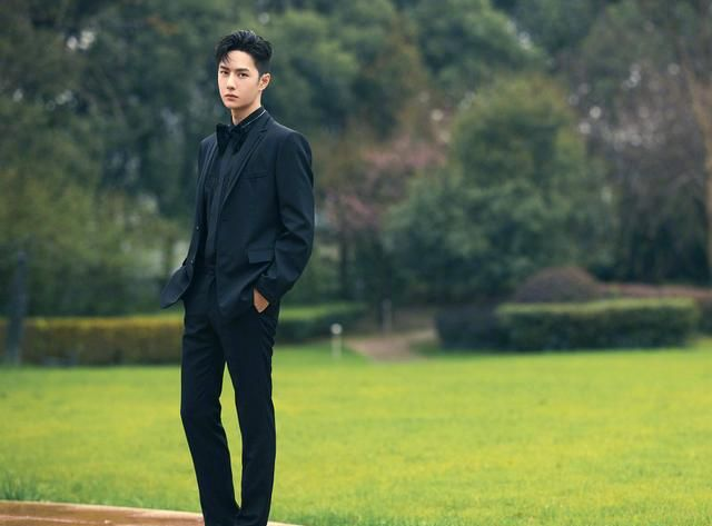 王一博黄景瑜张哲瀚共同出演《维和防暴队》,打篮球路透谁赢了?