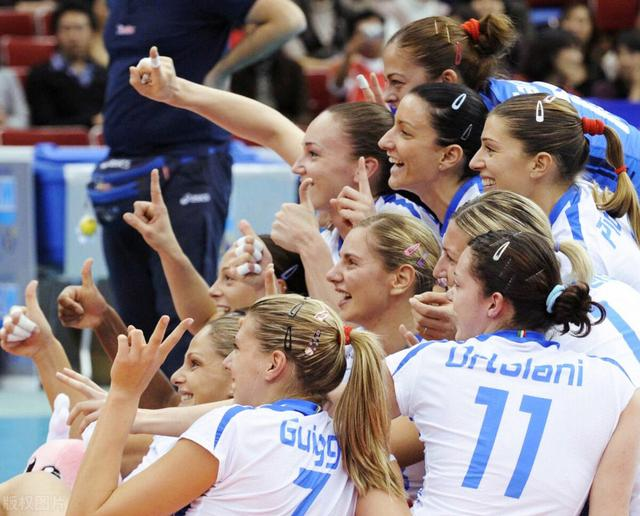 女排又一世界冠军正式宣布退役,攻守全面曾夺欧锦赛最佳