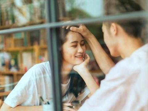 闺蜜和我男友在一起了:友情和爱情,都经不起考验