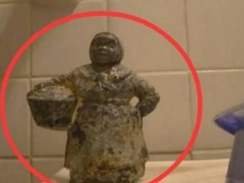 小伙野外捡回一个雕像,打开看后惊到众人,网友称可以不用上班了