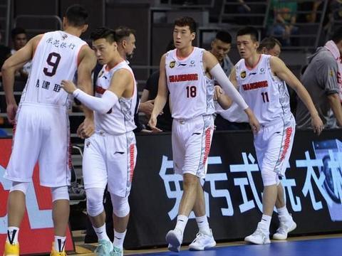 球迷质疑广东队签了水货外援,季后赛怎么办