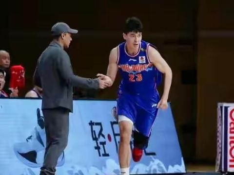 新疆VS广州,比赛看点如何?阿的江会送郭士强进季后赛吗?