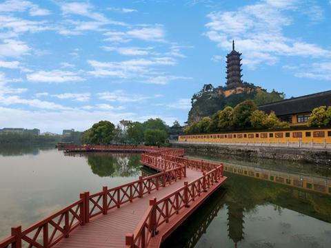 """镇江一五星级寺庙,被称""""江南名胜之最"""",距市中心仅3公里"""