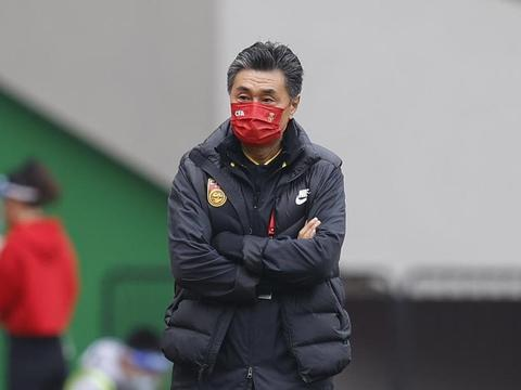 王霜立功了!亚洲足球小姐世界级任意球,金左脚传球精准助攻杨曼