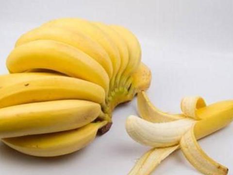 """怎么辨别出""""打了激素""""的香蕉?水果店老板:学会一招,轻松避开"""
