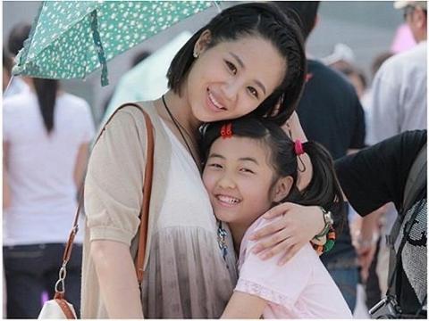 复婚杳无踪迹,李小璐在海边晒美照,粉丝:我想娶她