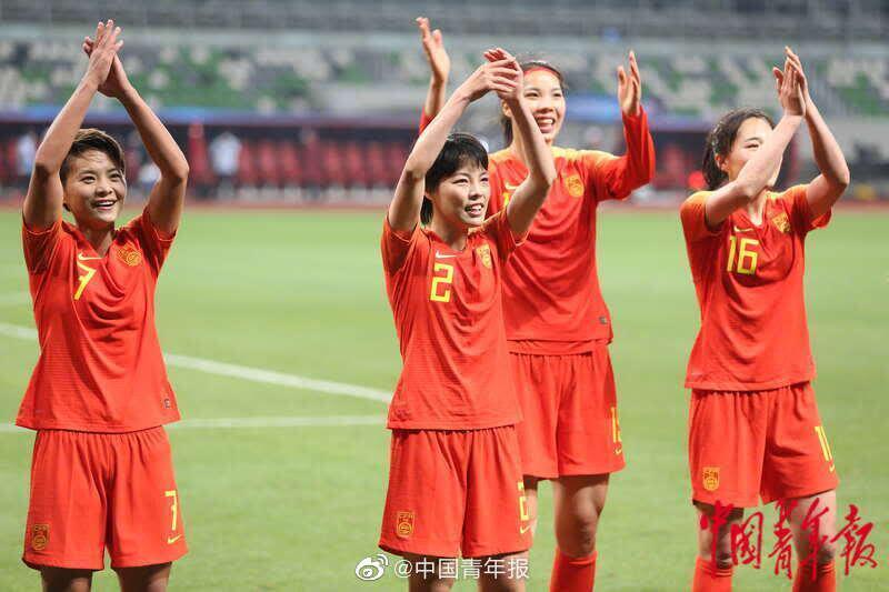 中国女足总比分4:3淘汰韩国队 现场图集来了!