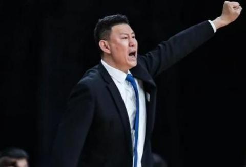 江苏男篮首次成为CBA联赛倒数第一,李楠执教首个赛季暗淡结束