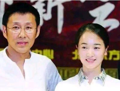 姜文对16岁的左小青吼道:像个小鸭子,撇着八字脚!