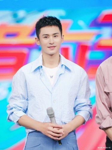张哲瀚、宋祖儿将合作正午阳光新剧《我的超级英雄》?