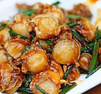 美食推荐:炒扇贝肉,酸辣鸡杂,五花肉卷金针菇,葱油蛏子