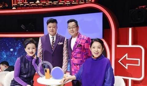 《王牌6》发现晓彤惊人天赋,杨澜与倪萍赞不绝口