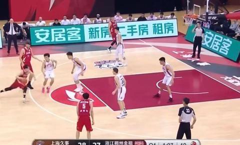 状元秀6分钟4中4表现神勇,上海男篮整体状态真不错